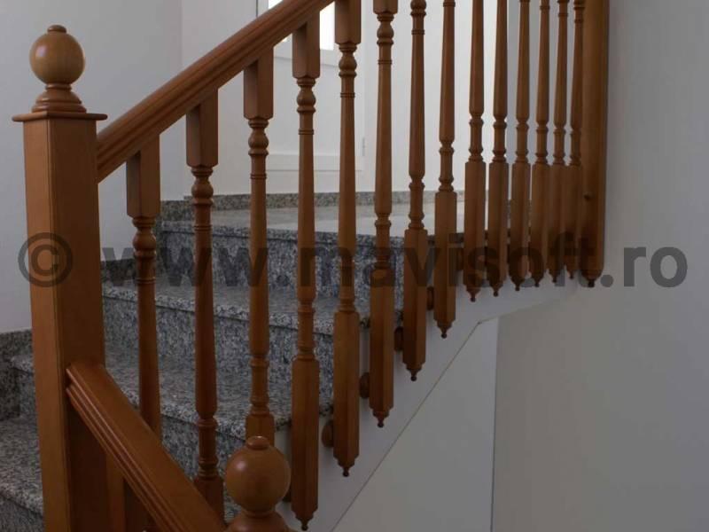 Poza Pretul unei balustrade din lemn 1