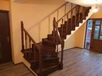 Poza Stil si eleganta: scari de lemn pentru interior 1
