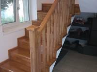 Poza Stil si eleganta: scari de lemn pentru interior 3